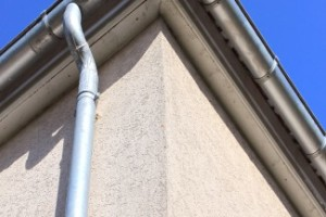 Hanging Rain Gutters and Downspouts Installation